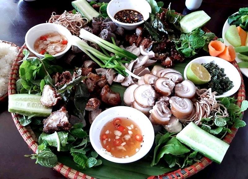 Kinh nghiệm đi làng văn hóa các dân tộc Việt Nam, ăn gì ở làng văn hóa các dân tộc Việt Nam?