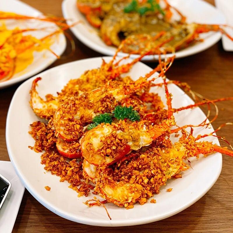 Đầm Chuồn Hương Quán/ quán hải sản bình dân ở Huế