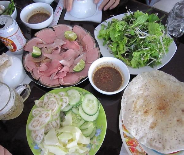 Đặc sản Đà Nẵng. Ăn gì ở Đà Nẵng? Bê thui Cầu Mống