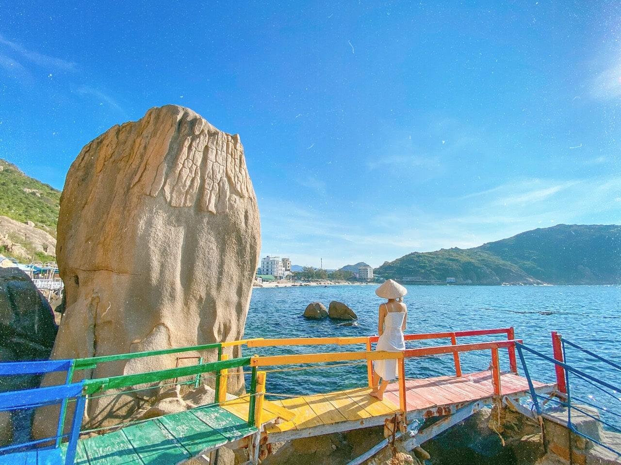 Kinh nghiệm du lịch bụi đảo Bình Ba: vé tàu, ăn chơi v.v