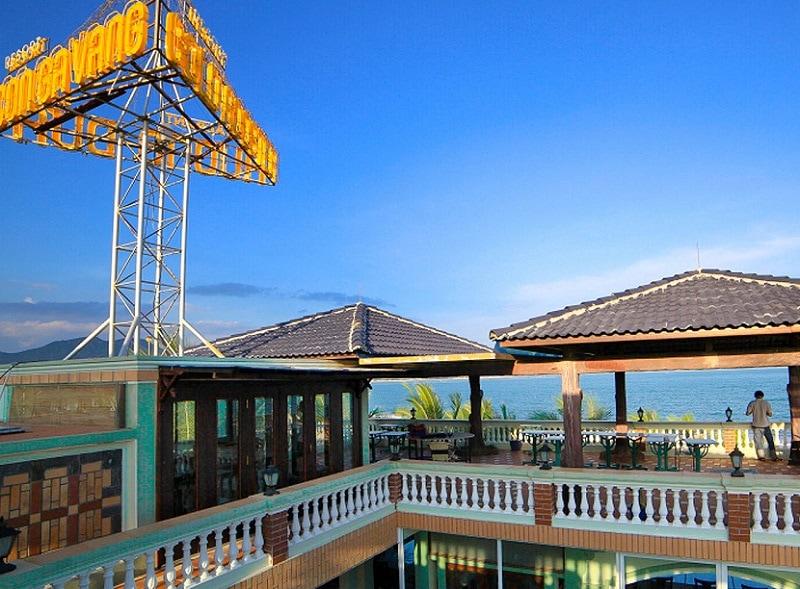 Kinh nghiệm du lịch biển Ninh Chữ, resort con gà Vàng