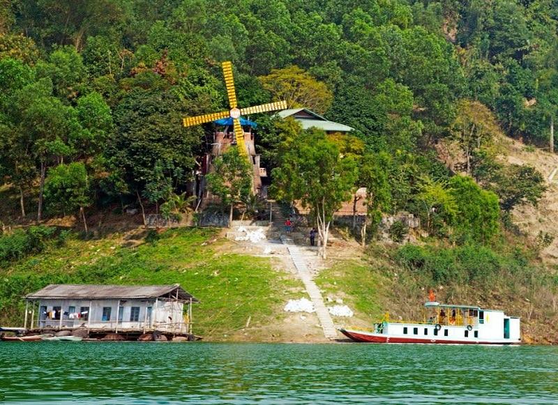 Du lịch Thung Nai nên ở đâu? Nhà nghỉ cối xay gió