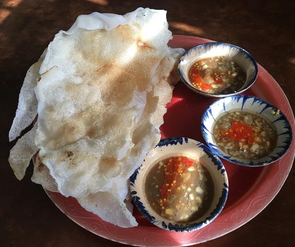 Món ăn đường phố Đà Nẵng ngon rẻ. Du lịch Đà Nẵng nên ăn gì? Bánh tráng đập