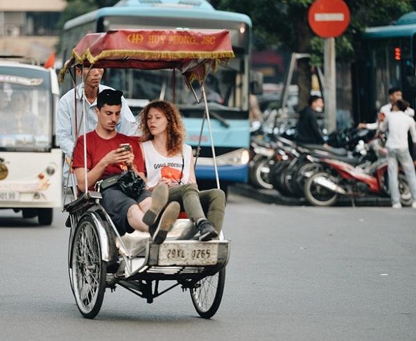 Di chuyển tới Hà Nội bằng phương tiện gì/ Đi lại ở Hà Nội như thế nào?
