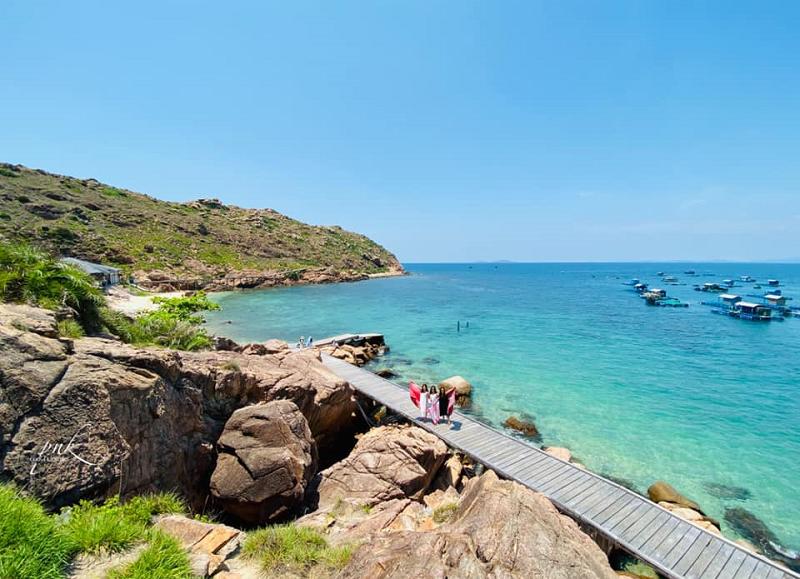 Du lịch Quy Nhơn tự túc, bãi biển Hòn Khô