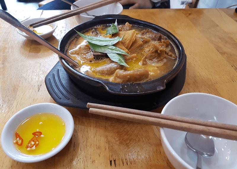 Những món ăn đặc sản Sài Gòn hấp dẫn nhất. Ăn gì ngon Sài Gòn? Phá Lấu