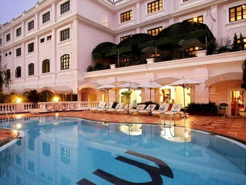 Khách sạn cao cấp ở gần sông Hương