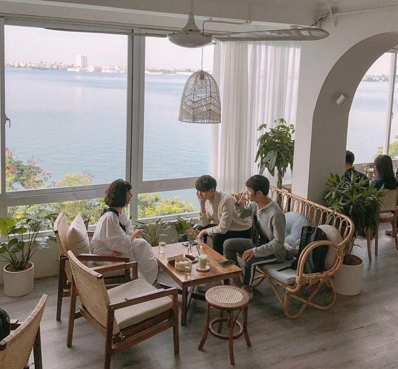 Zun Kun's Coffee - quán cafe view đẹp ở Hồ Tây