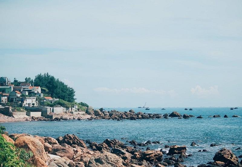Kinh nghiệm du lịch Bãi Đông, biển Bãi Đông có gì đẹp?