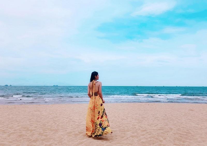 Kinh nghiệm du lịch Bãi Đông Thanh Hóa, review bãi biển Bãi Đông
