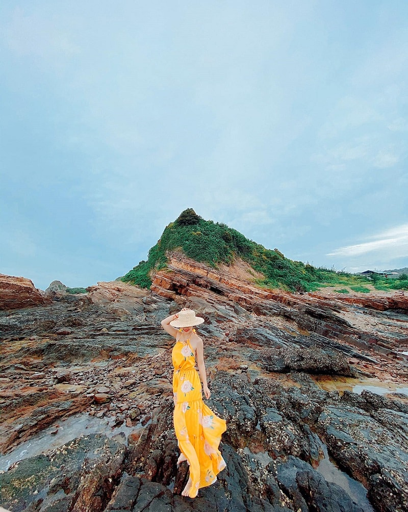 Cô Tô có gì đẹp? Địa điểm du lịch Cô Tô, Bãi đá Cầu Mỵ