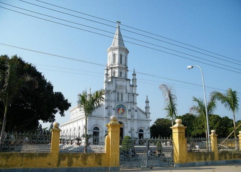 Nhà thờ Sầm Sơn - Điểm tham quan đông khách ở Sầm Sơn