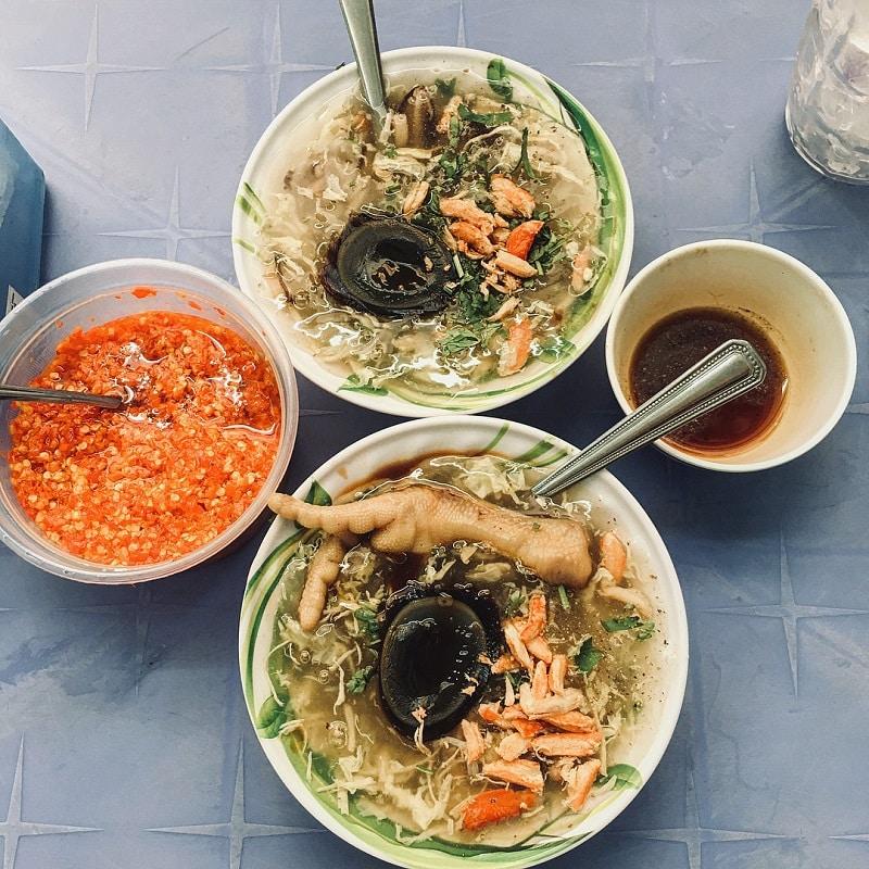 Quán súp cua, trứng vịt lộn chợ đêm - quán ăn đêm ngon rẻ ở Đà Lạt