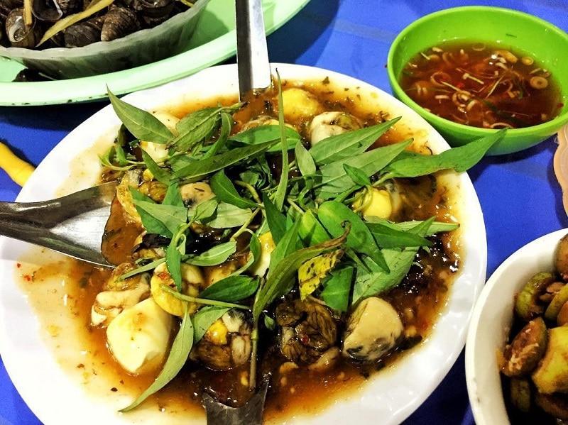 Trứng vịt lộn, cút lộn chợ đêm - quán ăn ngon ở chợ đêm Đà Lạt