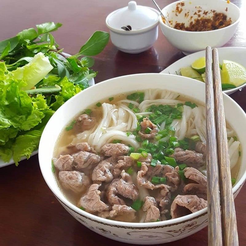 Đổi vị với các quán phở Bắc ở Nha Trang đông khách nhất