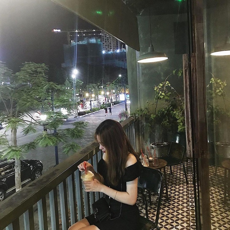 Rooftop Café & Bar - quán cafe sân thượng ở Hạ Long