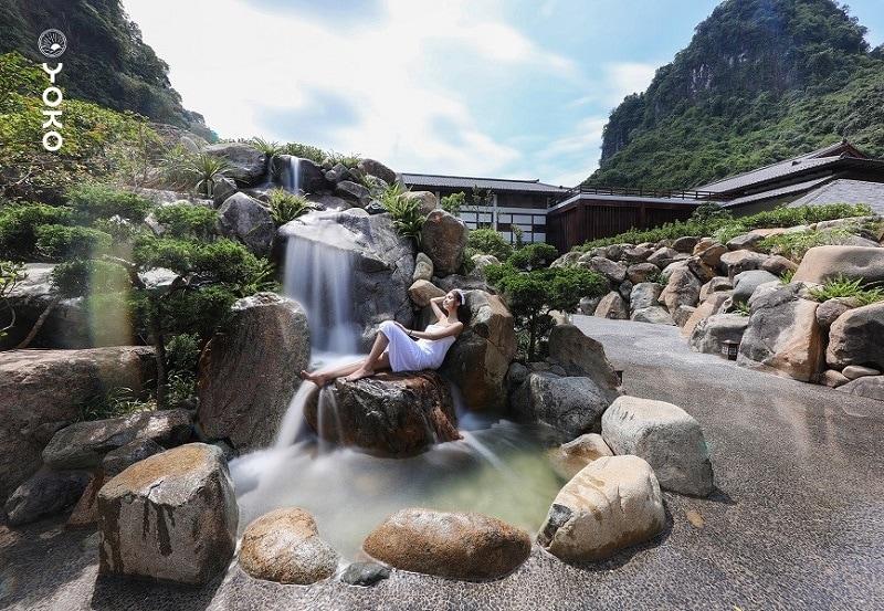 Review Yoko Onsen Quang Hanh, bể tắm Đào Viên