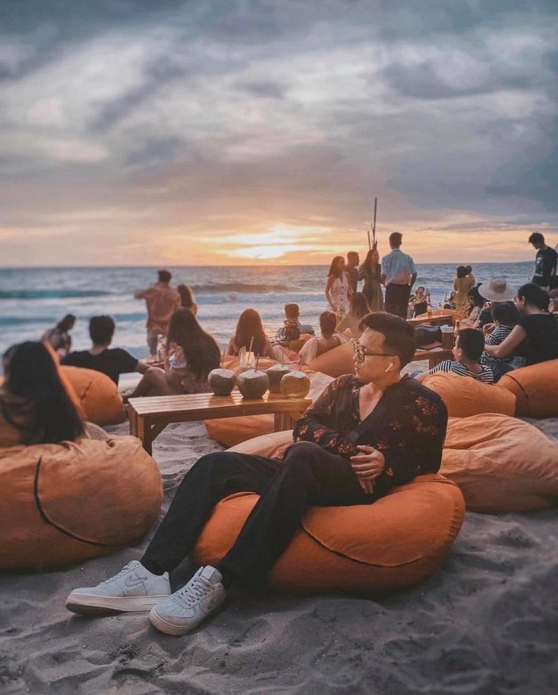 OCSEN Beach Bar & Club - Quán ngắm hoàng hôn đẹp tại Phú Quốc