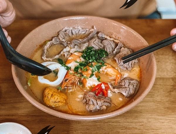 Quán ăn ngon nhất Hà Nội, bún thái hải sản 45 Lò Đúc