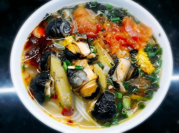 Các quán ăn ngon ở Hà Nội, bún ốc Bà Lương