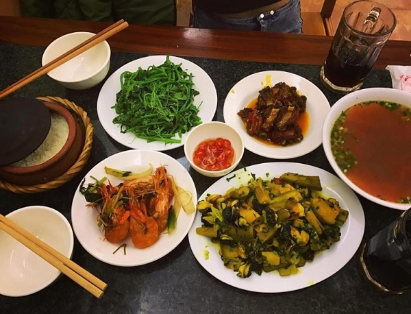 Quán ăn ngon ở Hà Nội, cơm niêu Tố Uyên