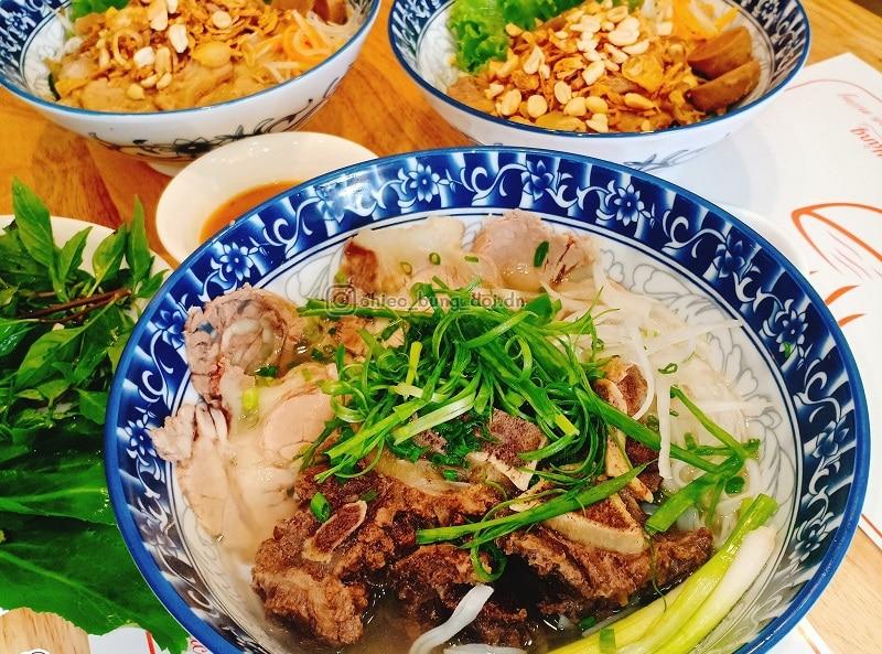 Quán ăn ngon ở Đà Nẵng, tô phở Hằng hấp dẫn
